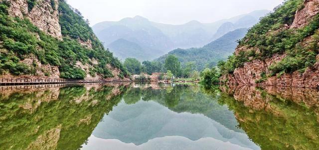 提起河南新安县的旅游景区,相信大多少人都会对景色绝美的龙潭大峡谷