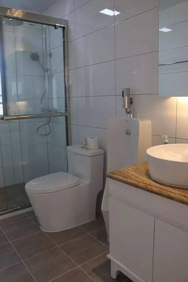 卫生间做淋浴房,做到干湿分区,再也不用担心洗完澡后,地面湿漉漉的了.