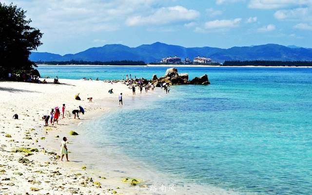三亚旅游照片真实_在三亚,每天可以睡到自然醒,白天在海滩漫步,或者登上某个海岛,手牵手