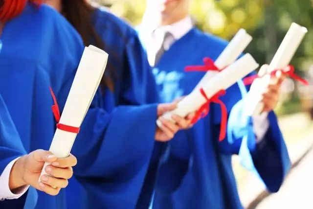 成人高考�zh�9`�z�Nj_成人高考学历受歧视?