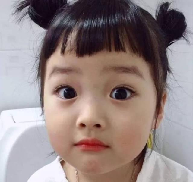 韩国的表情包萌娃不止有宋民国,还有一个权律二.