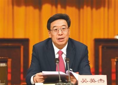 在实现中国梦的生动实践中放飞青春梦想 在推进新时代