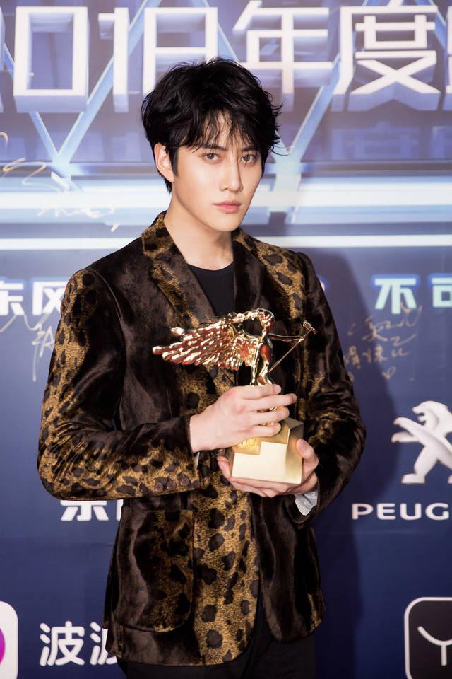 mike angelo与粉丝互动秀中文 获海外杰出艺人奖图片