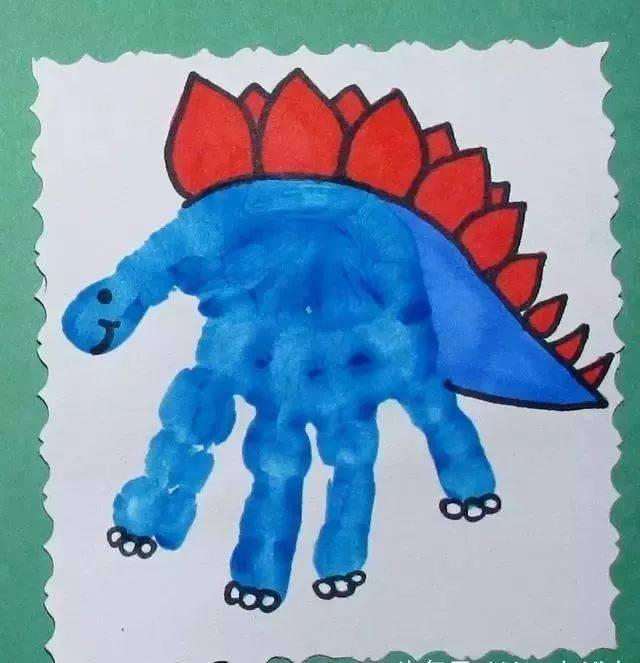 孩子手工制作趣味可爱的恐龙化石,利用超轻黏土制作模型,把塑料小