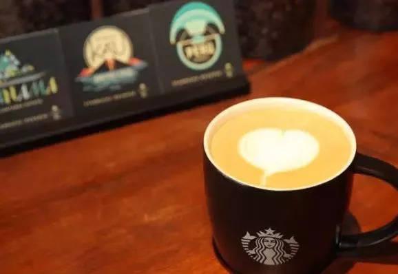 免费获得一杯中杯咖啡 肯德基  会员生日全家桶半价 在生日前会受到优