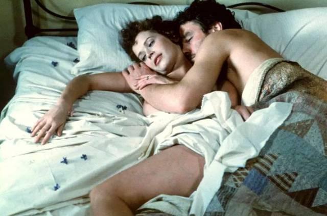 看完这场史上最尴尬「初夜」,母胎单身的我瑟瑟发抖
