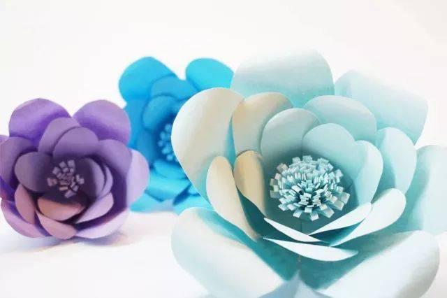 可以根据自己的喜好,做不同颜色不同形状的小花哟
