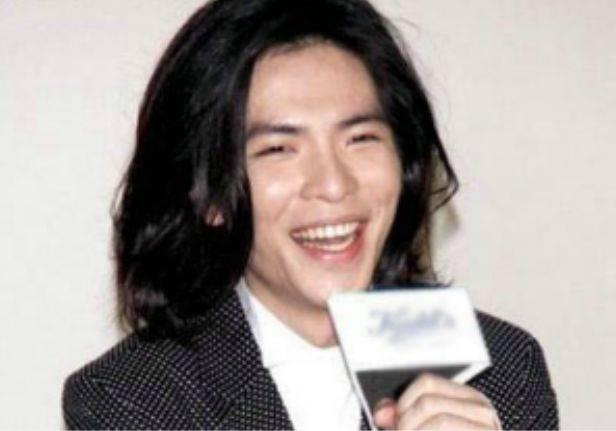 娱乐圈中留长发的男明星:没有对比就没有伤害,最后几张帅到炸!