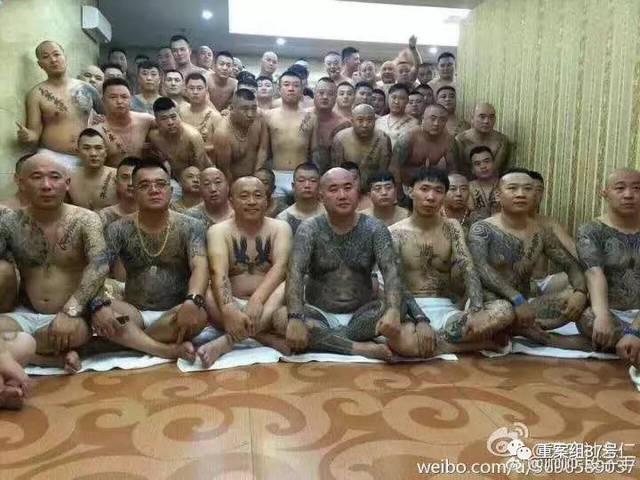 事发后有网友表示,当事死者刘海龙为快手网红团体天安社成员.