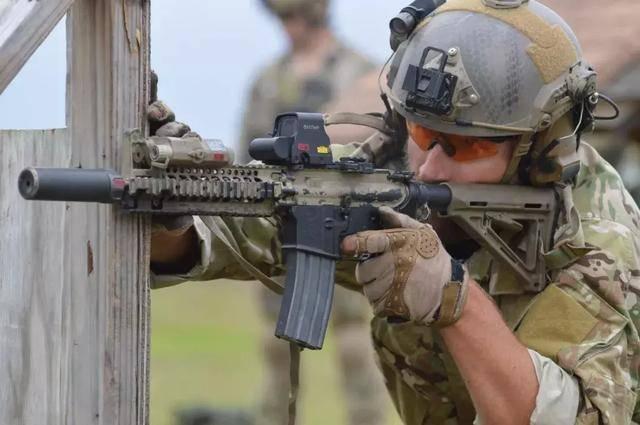 美国装备教程新贴膜,其实是越南年过半百的老枪iphone5s国产视频步枪图片