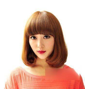 2018最新最流行的女生要时尚不要夸张的沙宣短发发型!