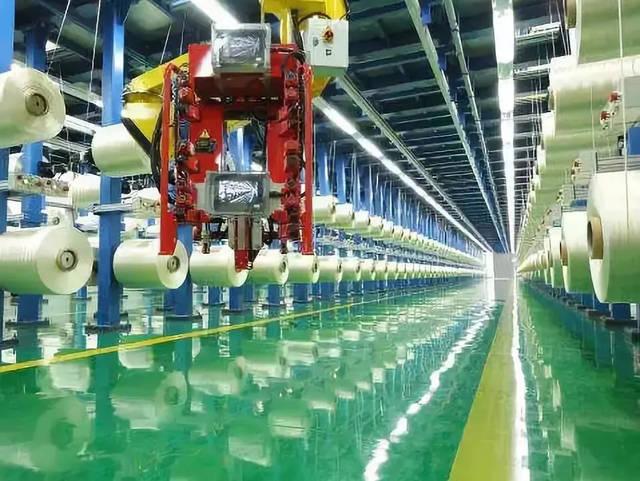 精功科技开发出1MW碳纤维微波石墨化生产线