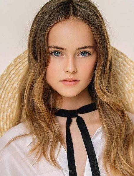13岁美女的人体艺术_简直是真人版芭比 kristina出生于2005年 标准的00后 今年也才13岁 别