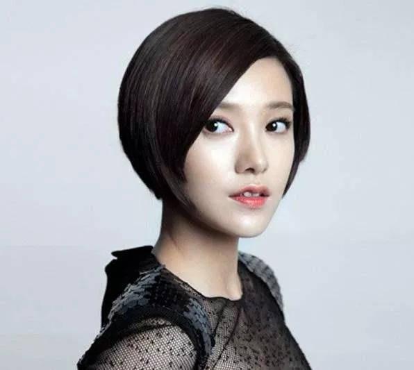 """狗啃刘海的超短发,是带点坏的""""酷girl""""既视感图片"""