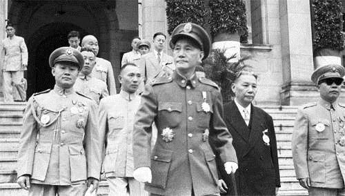 篮球名将却官居上将之位上阵杀敌成为世界上最有名的中国将军