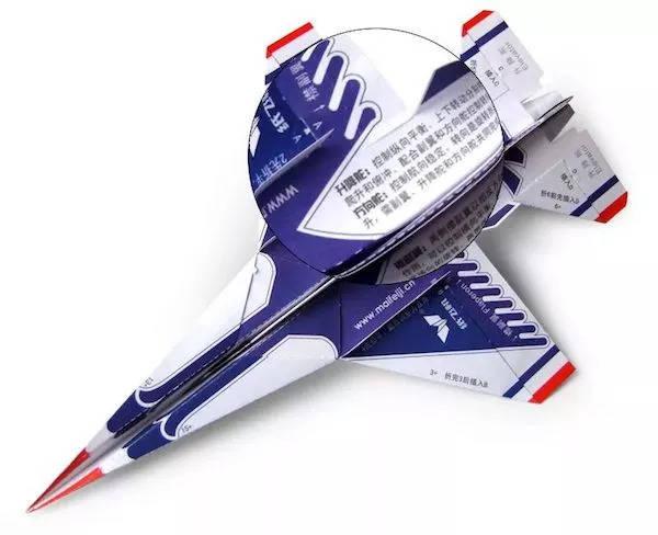 尽管我们不懂空气动力学,对航天知识了解很少,但在造物节能看到纸飞机图片