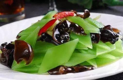插嫩木耳_青笋炒木耳,榨菜炒肉丝,嫩炒猪肝的做法