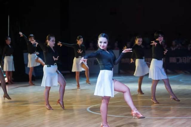 """2018""""贝蒂杯""""湖北省体育舞蹈公开赛(恩施站)闭幕"""