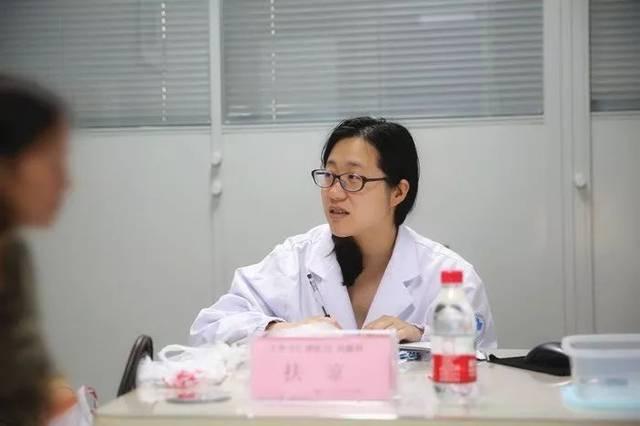 安交通大学少年�_上海交通大学医学院附属仁济医院风湿科住院医师徐安涛 在本次义诊