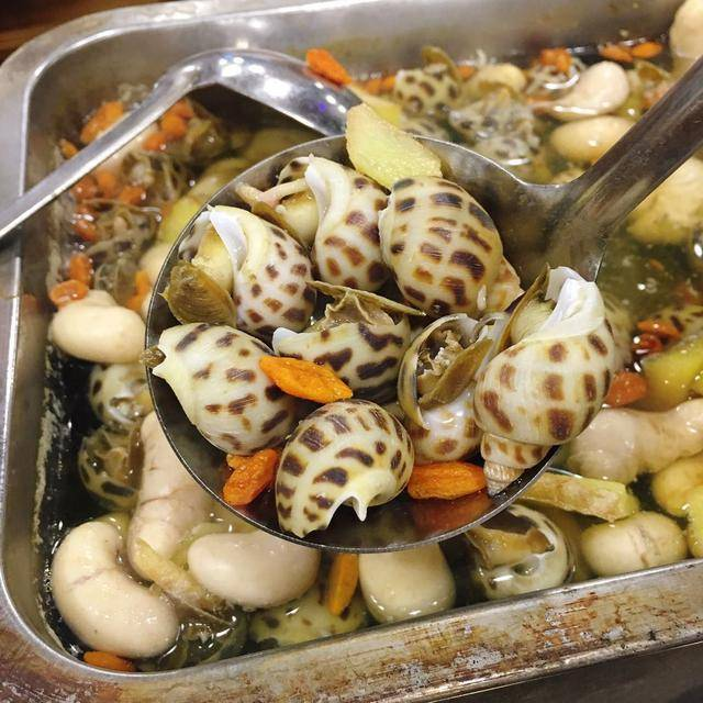 东莞:沙田冯记烤活鱼响当当,鸡子浸花螺招牌菜,每天晚上都米饭吃苋菜豌豆可吃满人吗图片