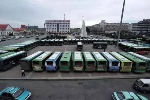 绥化市区两条公交线路延伸到万达广场