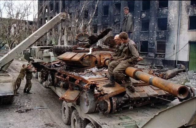 内射嫩逼少妇_车臣雇佣兵曾1天内射杀上千俄军,战场如炼狱般残酷