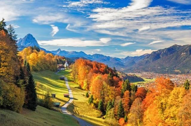 10月国内外最佳旅行地pk排行!你心目中的第一是谁呢?