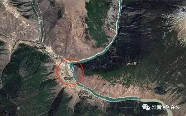 现场视频:川藏交界金沙江断流形成堰塞湖,蓄水近1亿立方米!