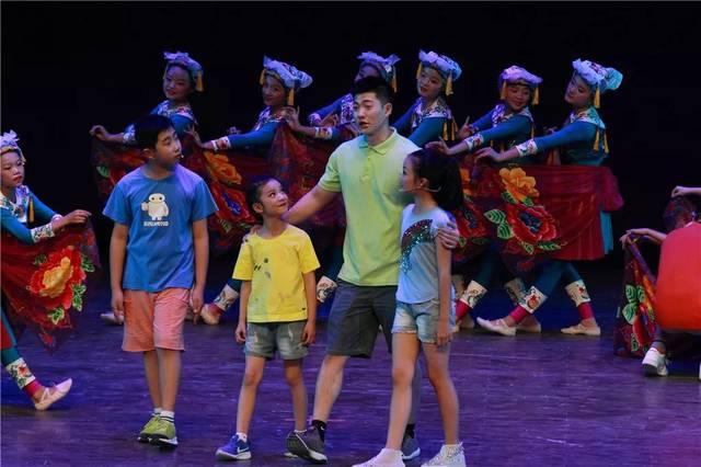 多民族蹁跹舞遇见太阳至美途——大型原创儿童歌舞剧《遇见太阳》惊艳亮相成都市妇女儿童中心