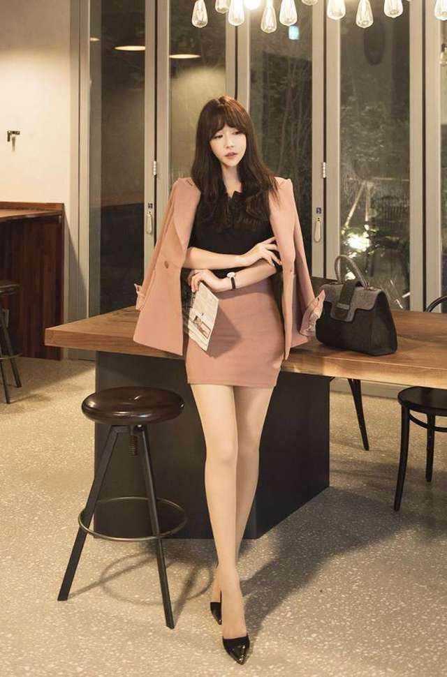 性感丝袜: 初秋适合肉色丝袜, 经典职业穿搭, 必备一条它, 魅力四射气