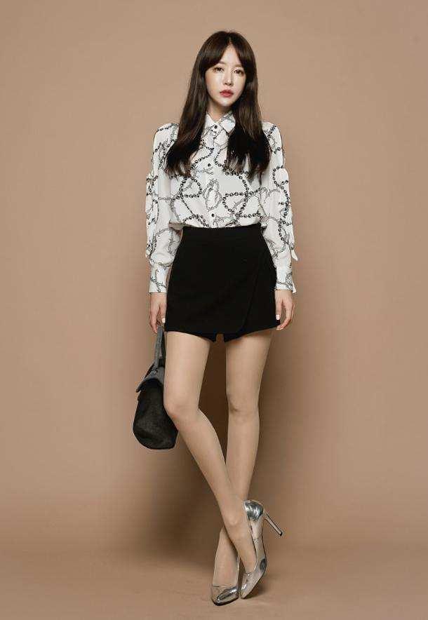 女人肉丝袜_好的肉色丝袜是一种轻盈的点缀,只需一条,就能够让时尚的女人打造千娇