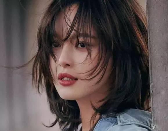 辛芷蕾短发的重点 先来分析下辛芷蕾短发和一般短发的不同吧.图片