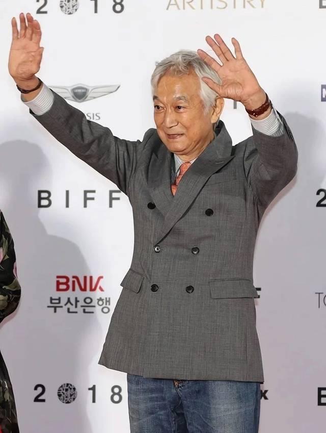 韩国老牌电影在误传女星后隔天病逝,曾和小49岁影帝大胆v电影伦理片福利公众哪个死讯号有图片