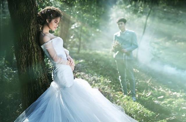 但是每一个婚纱摄影机构都还是有自己的摄影风格的,比如老牌的摄影