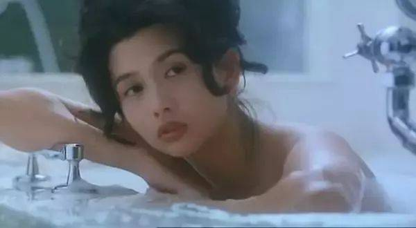 性感色情三级片_同一般的三级片女星来比,邱淑贞的性感更高级,她