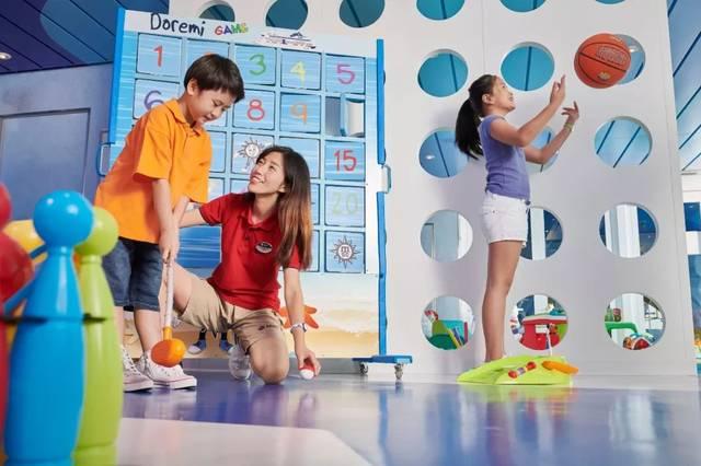 地中海辉煌号与乐高联合打造的 乐高海上乐园是孩子们的玩乐天堂.