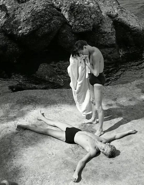 健美人体艺术_赫伯特·李斯特的男性人体摄影,有着作为同性恋艺术家的他对男性肉体