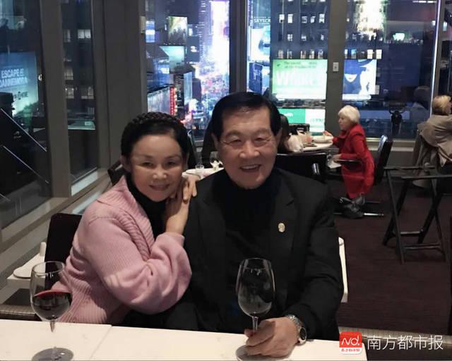 李昌钰祖籍地如皋和她的家乡扬州相隔不远,因而感到十分亲切.