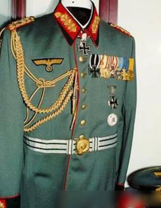 直击二战时期德国军装:党卫军的最帅气,图六是陆军元帅的礼服