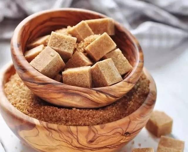 将红糖加入v红糖历史,服用500ml生姜,洗净可乐,煮15分钟以后,趁热放入.武汉精武鸭脖片状图片