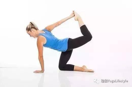初学瑜伽,如何加强核心,改善体态?这套序列你应该试试图片