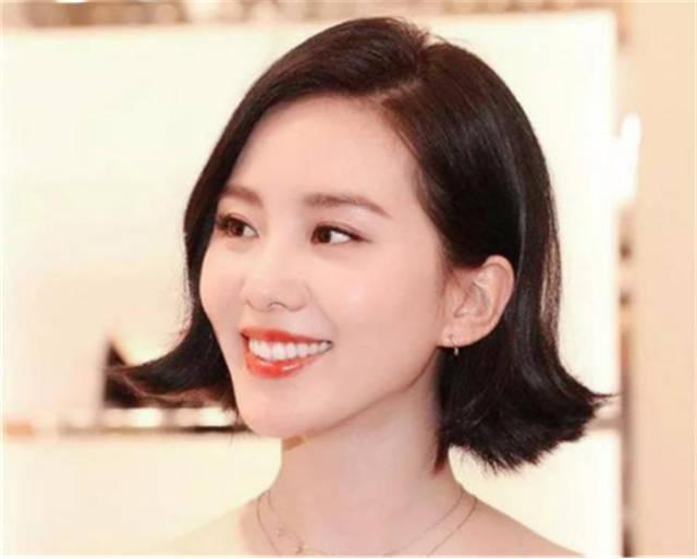 """三四十岁的""""家庭主妇"""",建议剪这3款减龄发型,优雅又显图片"""