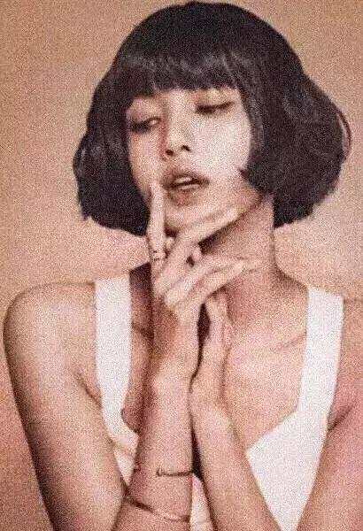 lisa短发图片