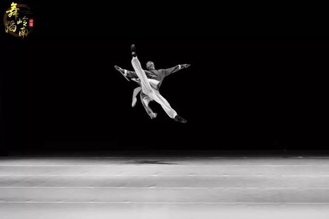 《逐梦彼岸》--星海音乐学院绿地舞蹈2019届舞地产学系的建筑设计师图片