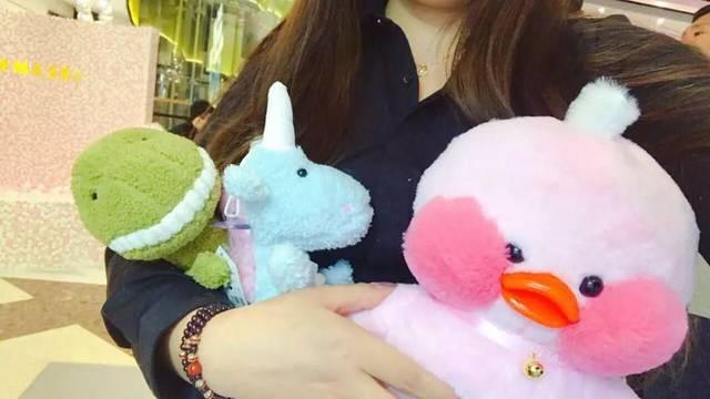 粉红操穴图片_专门贩卖少女心的粉红小店,据说沈阳最好抓的娃娃都在这里!