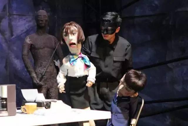 2018全国优秀话剧武汉邀请展丨电音荒诞喜剧《欲望街角》最后一场