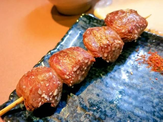 东京熟癹n��.�_舌尖上的日本 | 地道严选的日本美食指南:东京篇(6)烤鸡肉串