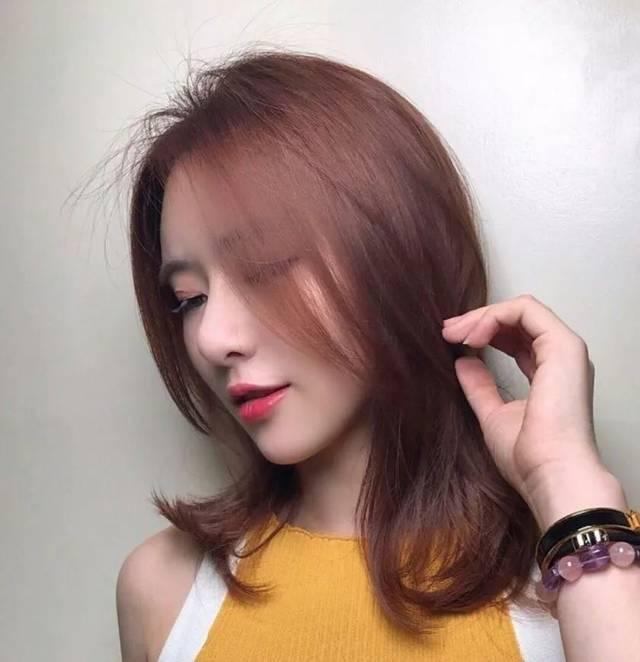 韩式烫卷发型时尚御姐范齐肩发烫发发型图片
