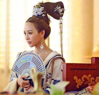 在电视剧《武媚娘传奇》中,张钧甯饰演腹黑的心机女徐慧,虽然这个人物图片
