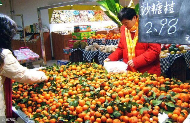 香蕉、桔子零卖一斤不到3元果农能挣多少钱?批发价多少?